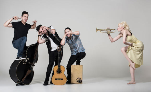 Contratar a Jenny and The Mexicats